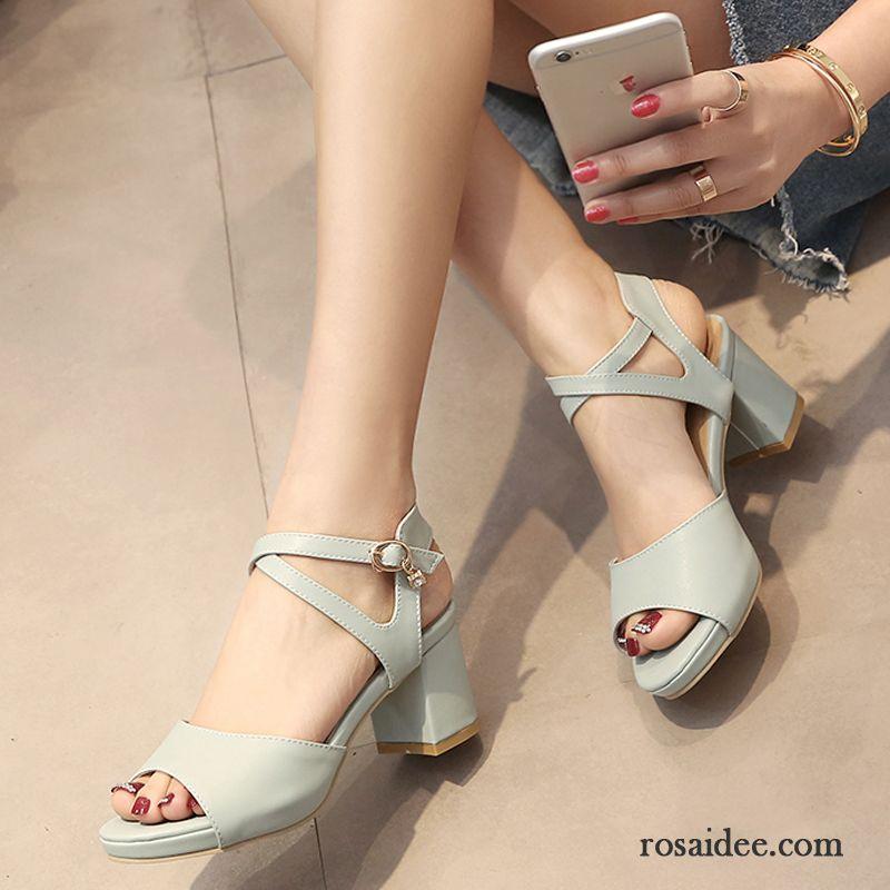 silberne sandalen mit kleinem absatz sandalen neue damen. Black Bedroom Furniture Sets. Home Design Ideas